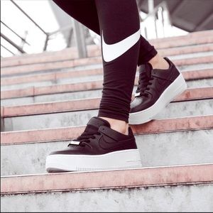 Women Nike Sage low black leather